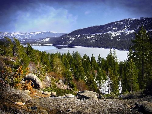 donnerlake california ca lake mountain sierranevada winter snow ice frozen forest view trees usa