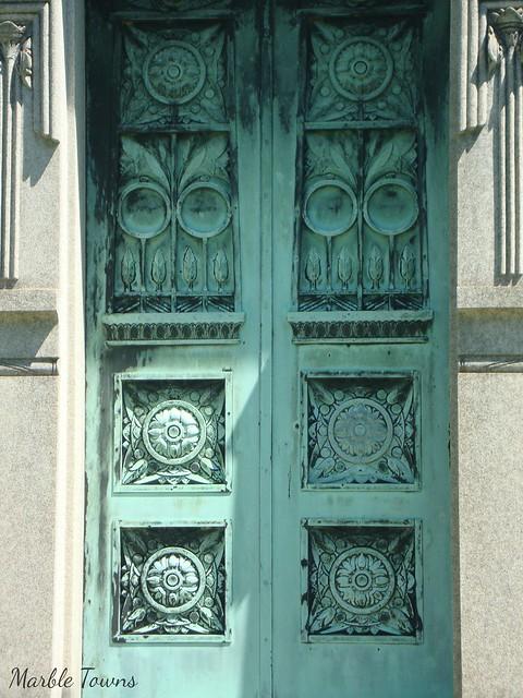Miller-Darius-maus doors