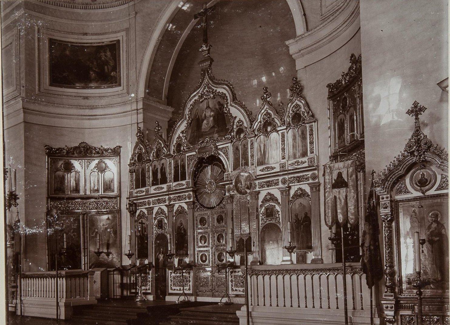 04. Интерьер церкви