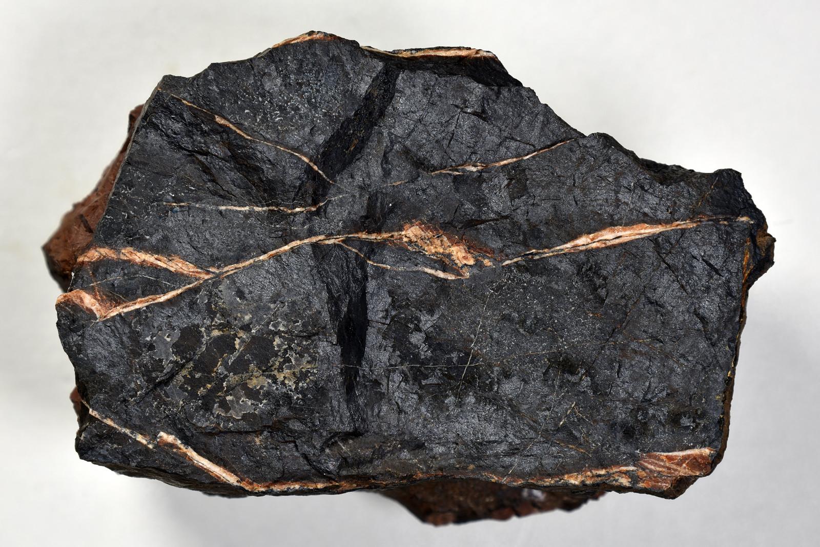 ブラウン鉱 / Braunite