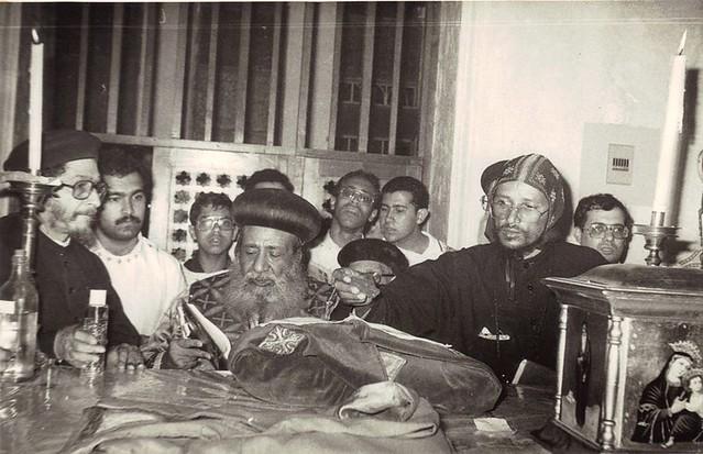 الراهب القمص حياة الأثيوبي المحرقي في الجمعة العظيمة بالأنبا رويس مع الأنبا غريغوريوس