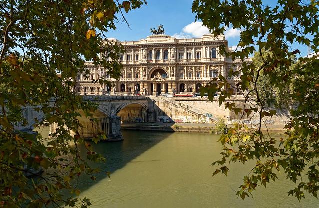 Roma / Corte di Cassazione - Palazzo di Giustizia  / Ponte Umberto I