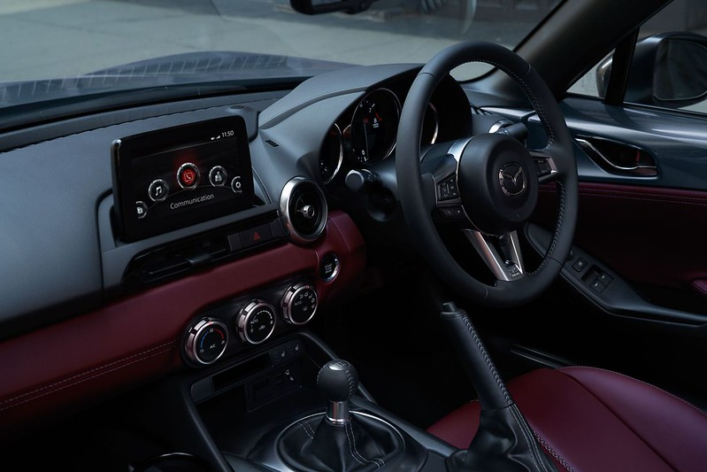 Mazda-MX-5-R-Sport-Special-Edition-UK-7