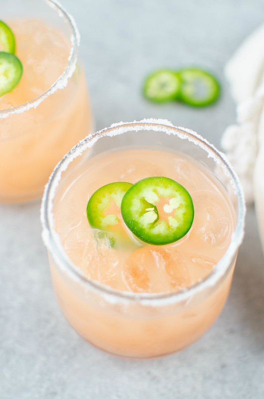 Spicy Salty Dog - freshly squeezed grapefruit juice, vodka, and jalapenos! So refreshing and delicious, the perfect spicy cocktail recipe.