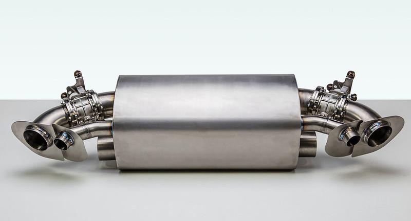 TechArt-titanium-exhaust-for-Porsche-911-992