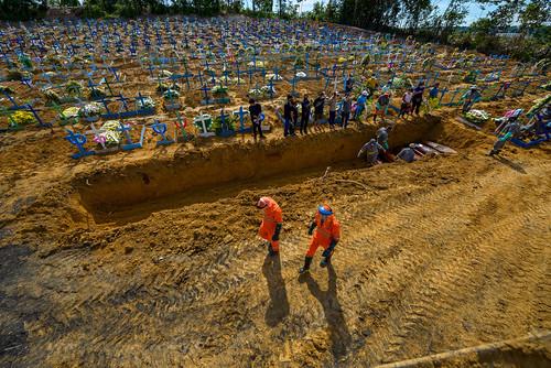 Manaus registra quase 2,5 mil sepultamentos em abril