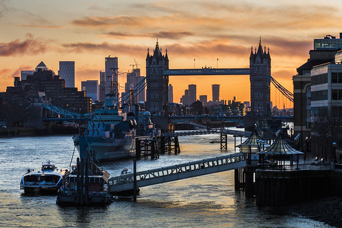 hmsbelfast towerbridge londonbridge riverthames canarywharf london sunrise canon 80d 70200mmf4lis