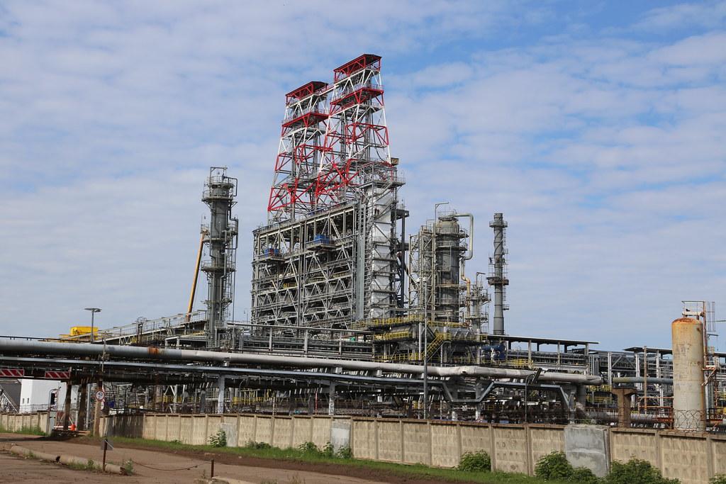 Лукойл переводит все свои НПЗ в Европе только на российскую нефть IMG_1164