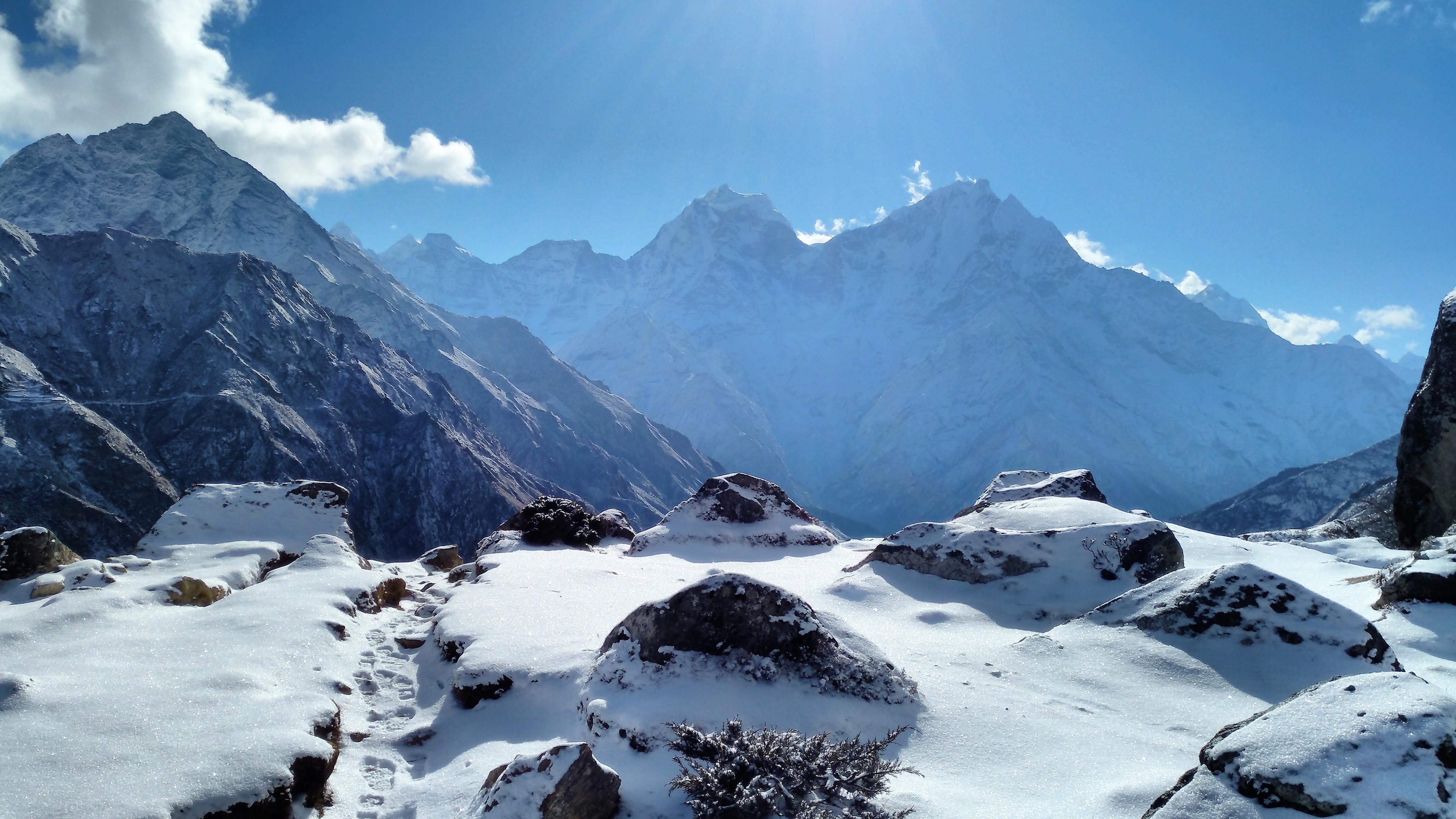 Gokyo Lake Trek  - White Himalaya Trekinng in Nepal