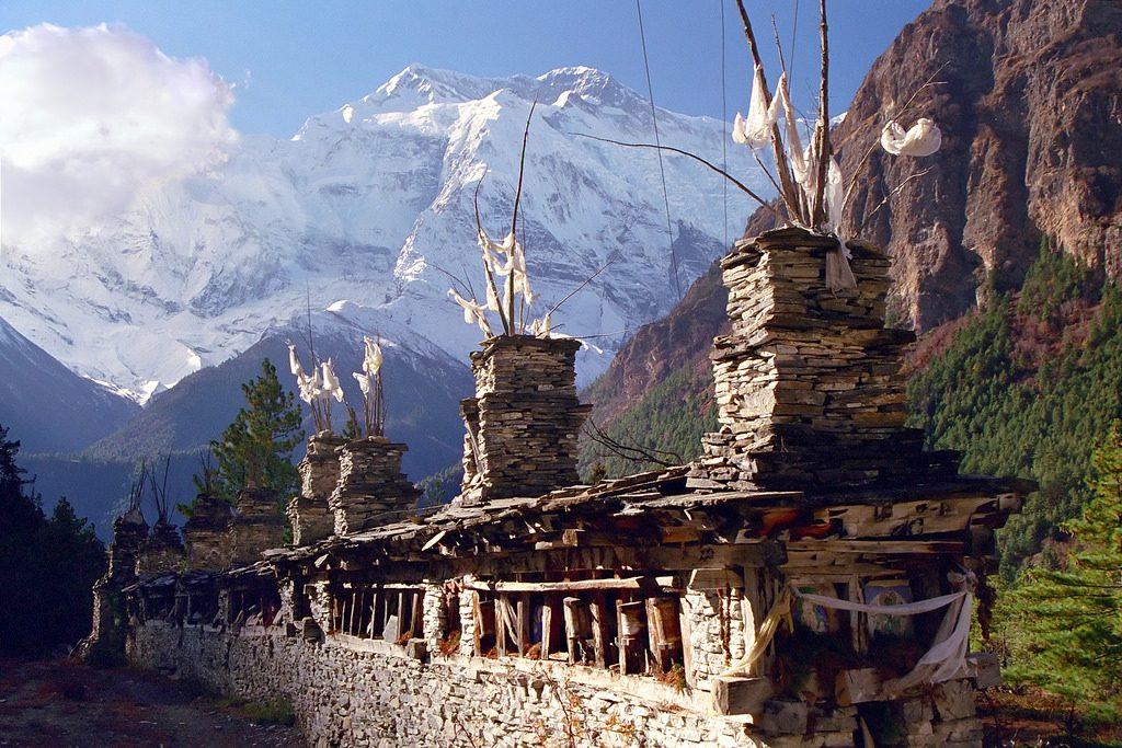 Annapurna Circuit - White Himalaya Trekinng in Nepal