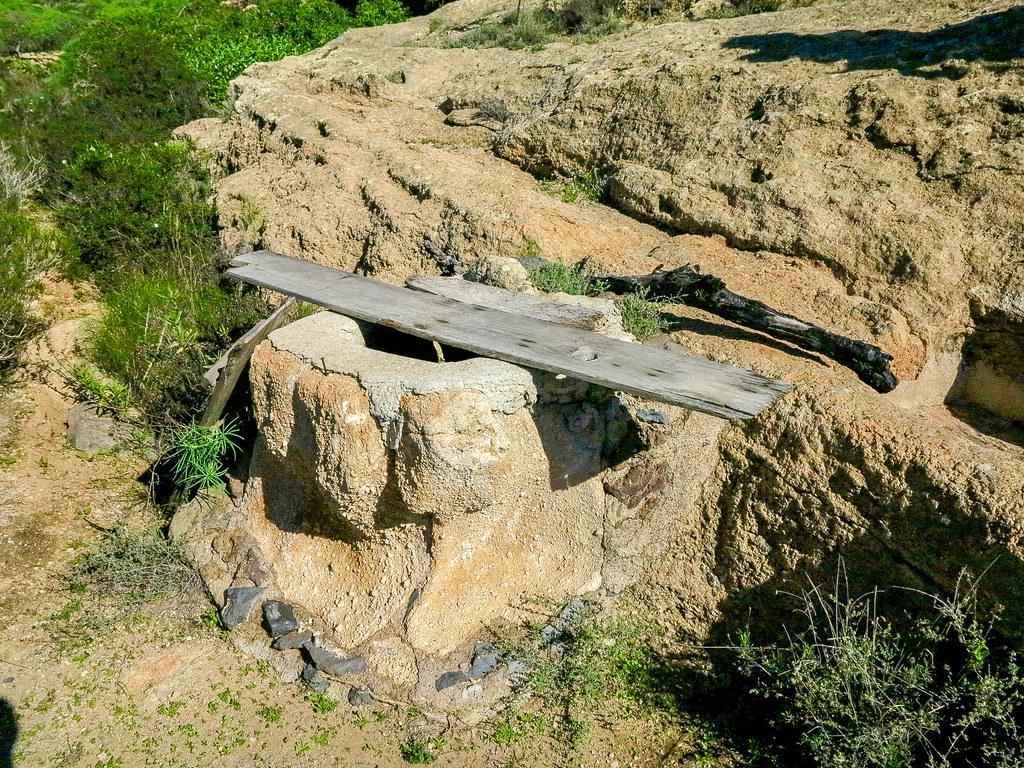 Pozo de agua en el sendero de Arona a Ifonche