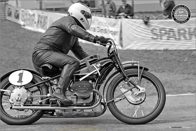 1929 BMW WR 750 Kompressor Oldtimer GP Schwanenstadt (c) 2020 Bernard Egger :: rumoto images 4898 mono