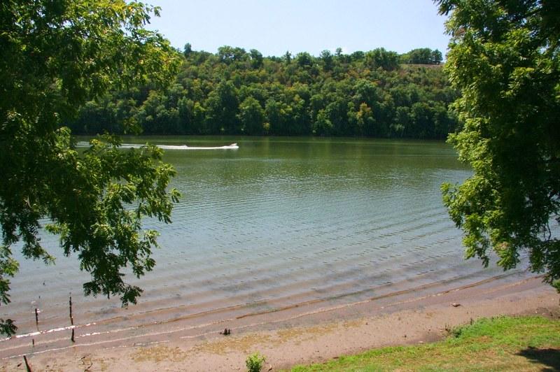 Raum lake front