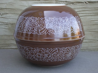 Two Vintage 1970's Pyrex Woodland Pattern Kitchen Mixing Bowls Both Found At UK Car Boot Sales