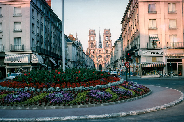 Place General de Gaulle, Orléans Cathedral, Orleans e32loire