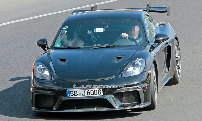 2021-Porsche-718-Cayman-GT4-RS-spy-shots-on-the-Nurburgring-1