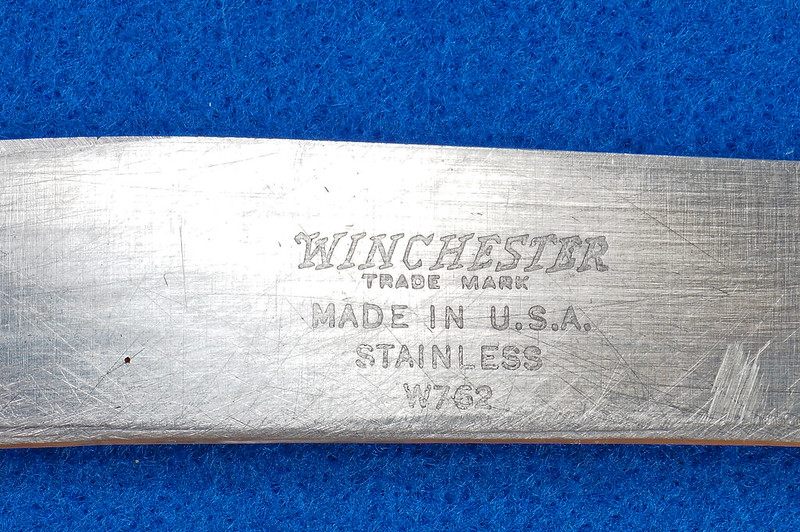 RD28333 Rare Vintage Winchester Hump Back Knife W762 DSC03168