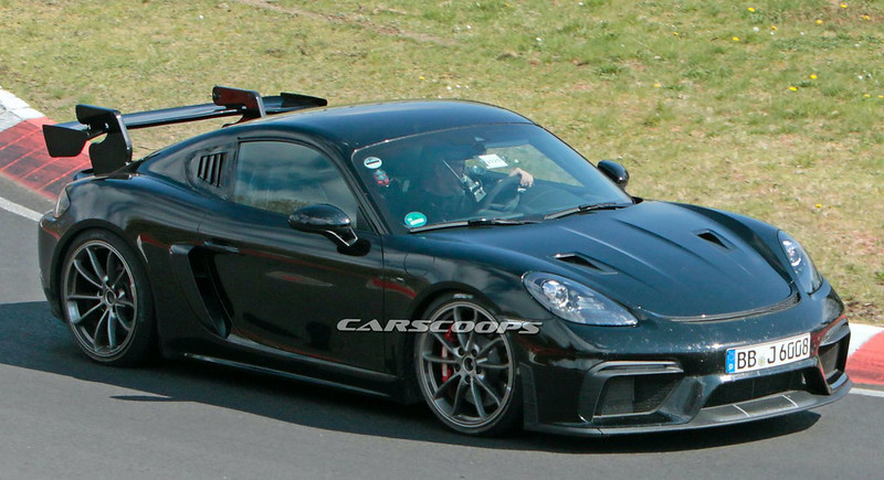 2021-Porsche-718-Cayman-GT4-RS-spy-shots-on-the-Nurburgring-5