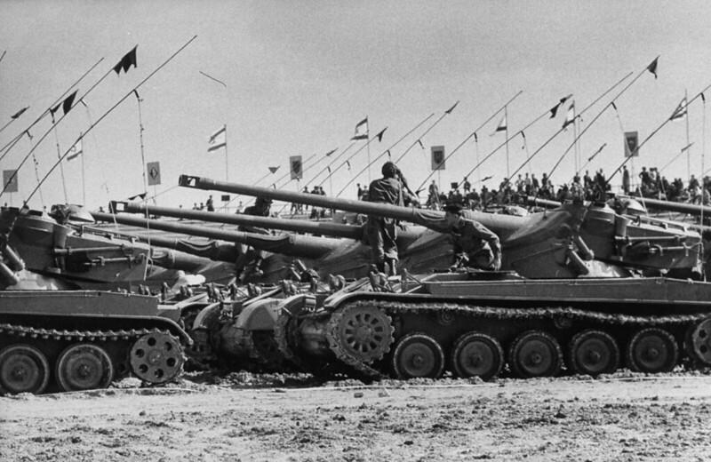 AMX-13-id-parade-1958-ljh-1