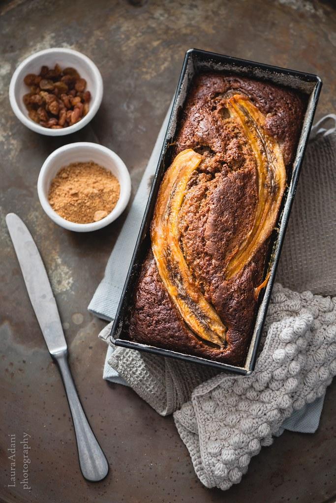 Banana bread with rye and raisin