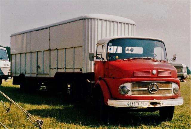 Mercedes-Benz L 1113 Cirque ''Le Puit aux Images Villemaréchal (77 Seine et Marne) 1991a