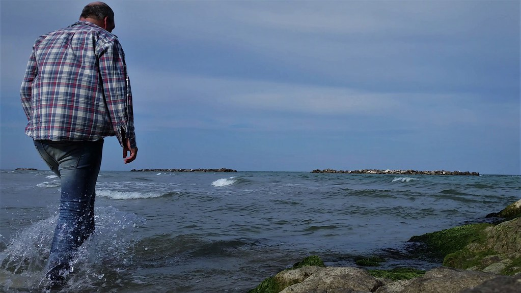 walk to the sea