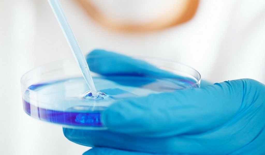 COVID-19-un-essai-clinique-un-médicament-anti-inflammatoire