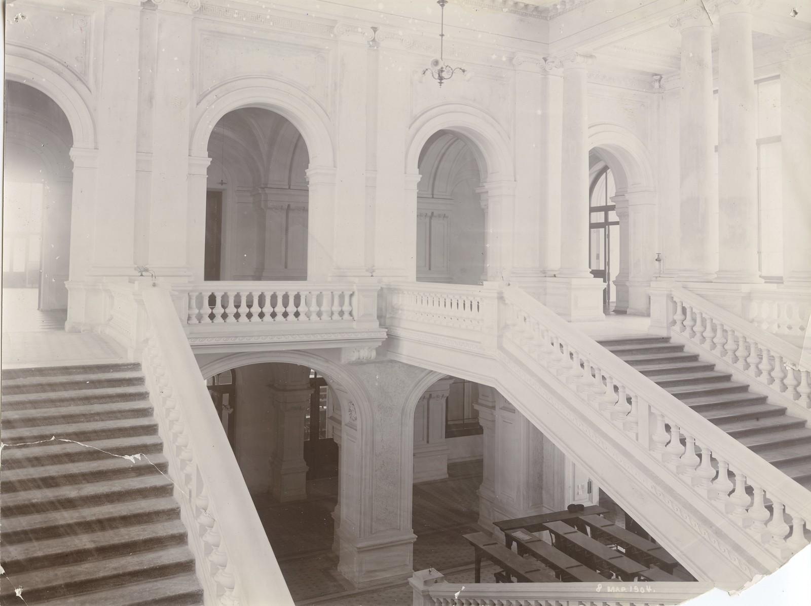 18. 1904. 8 марта. Лестница главного здания. Вид со стороны читального зала.