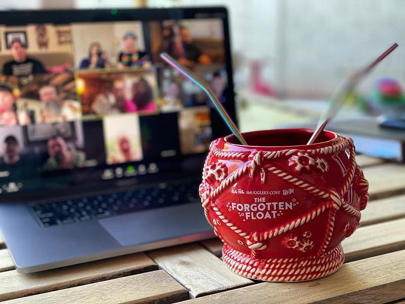 #kvpaz My new reality for happy hour: Zoom chat with #MandatoryMugMonday buddies in San Diego, Guam and beyond plus my new favorite bowl mug: Forgotten Float from @smugglerscovesf @falseidoltiki @halepele. #tikimug #tiki #cocktails