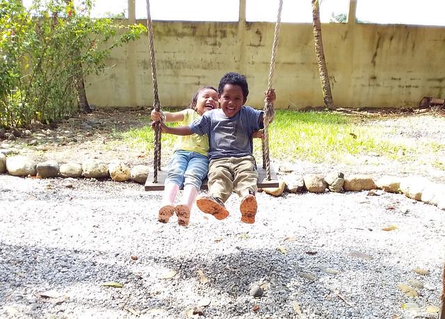 Kids Swinging Casa Agua Azul 1