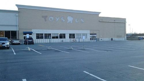 Toys R Us 3500 48th St, Long Island City, NY