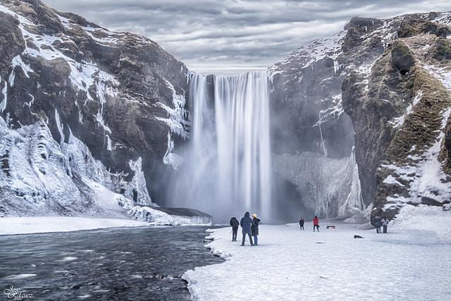 Cascada Skógafoss en Skógar - Islandia