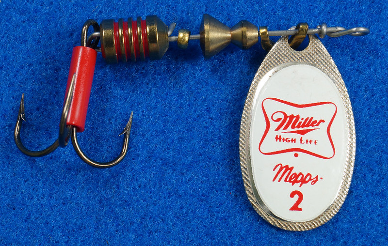 RD29483 RARE - Mepps MILLER HIGH LIFE Beer FRENCH SPINNER Logo FISHING LURE DSC03240