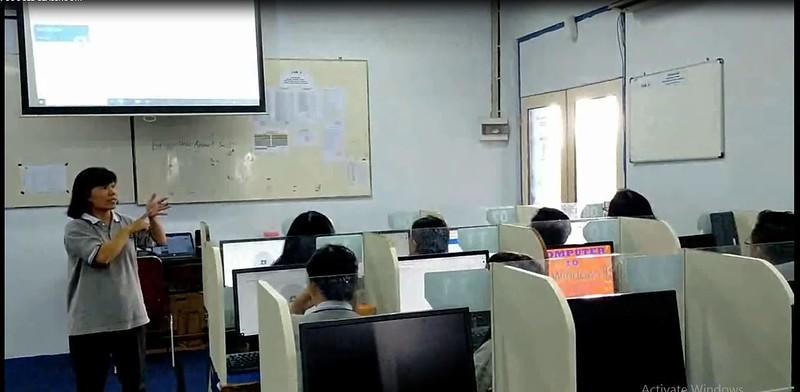 Persiapan Guru SMP Strada Santa Maria 1 Menjelang PJJ
