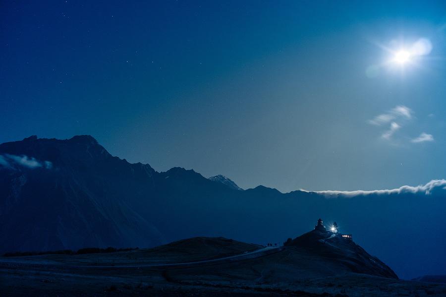 Троицкая церковь в лунном свете. Сказка 1001 ночи!