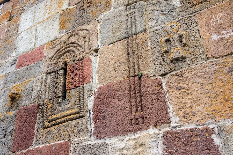 Стены Троицкой церкви