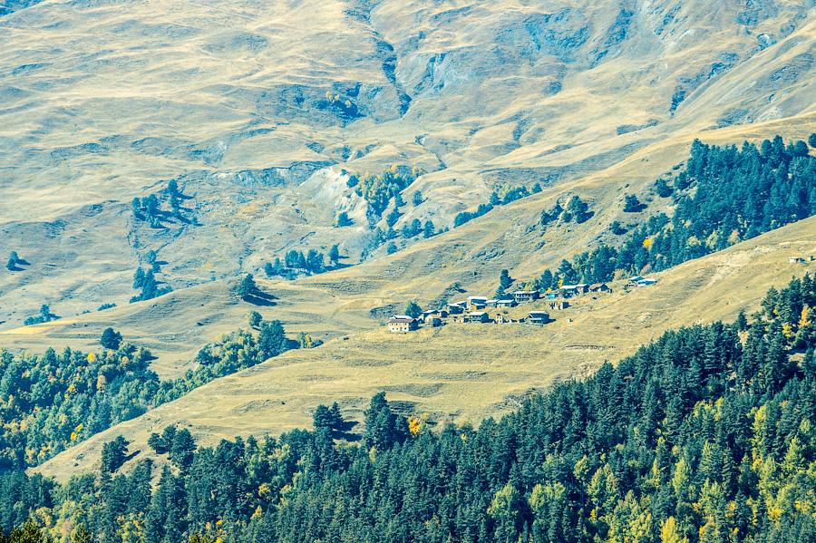 Вид на деревню Бочорна, Тушети