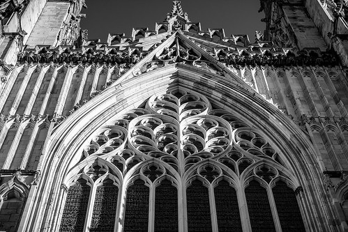 englishgothic gothic gothicarchitecture architecture westfront heartofyorkshire greatwestwindow arch cathedral church minster york yorkminster england yorkshire monochrome mono blackwhite blackandwhite lowangleofview lowpov northyorkshire
