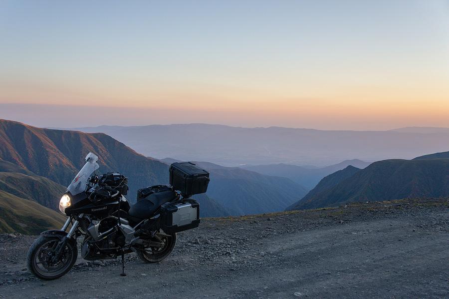 Перевал Абано. Дорога в Омало