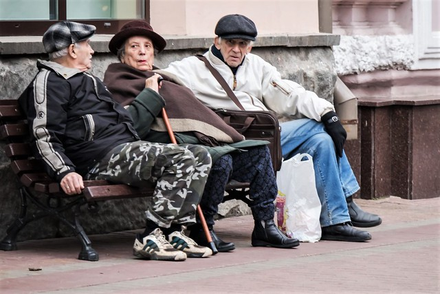 Threesome on a bench in Arbatstreet,