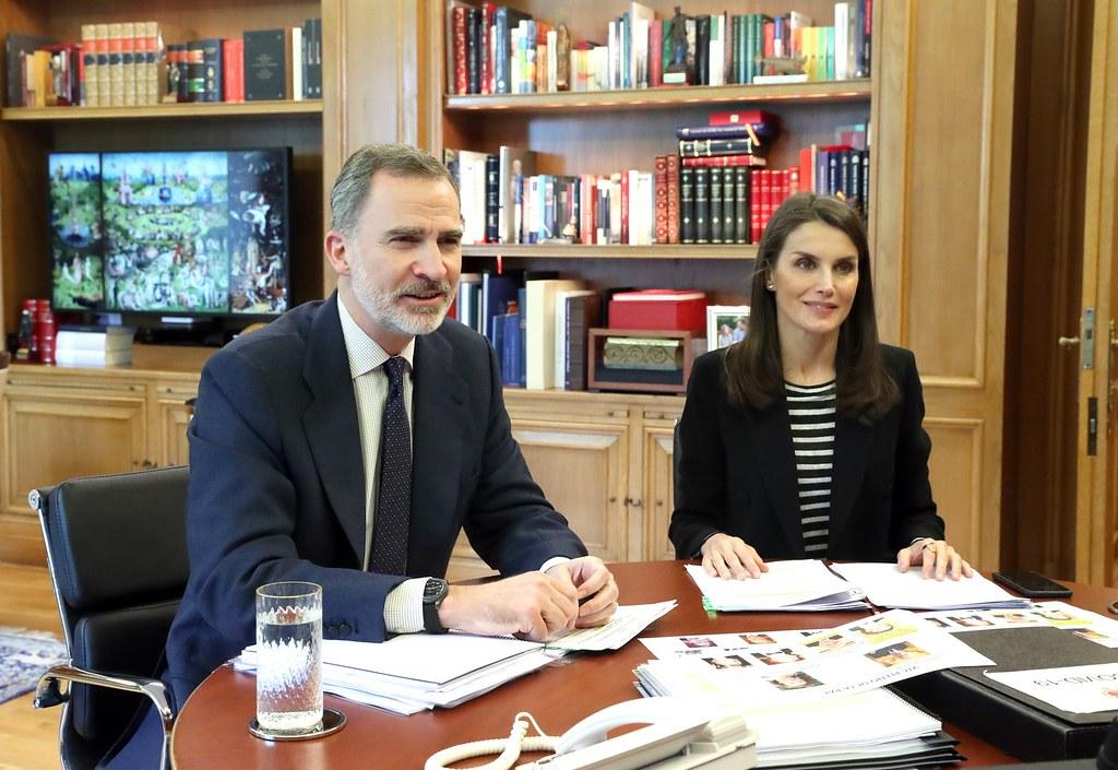 Los Reyes presiden el pleno virtual de la Real Academia Española