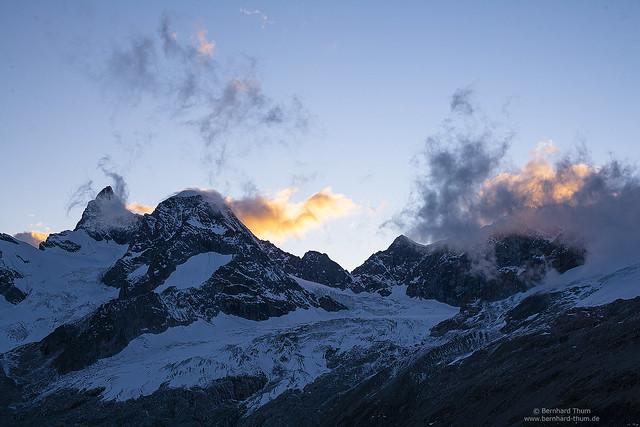 Evening light at Obergabelhorn and Wellenkuppe