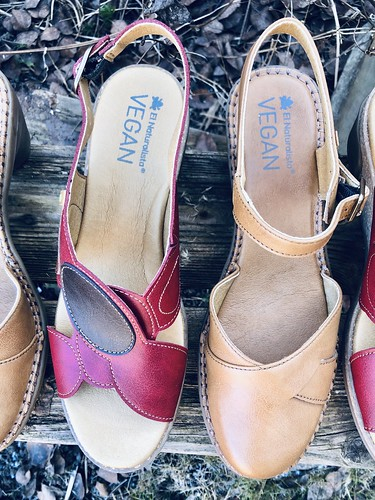 #vegan shoes el naturalista, march 2020 - and loving snoopervisors 💚