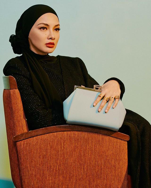 Lofarclutch dari Sometime Cerminkan Gaya Fesyen Neelofa