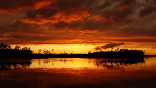 sunset sunsetsandsunrisesgold cloudsstormssunsetssunrises cloudscape cravencounty spectacularsunsetsandsunrises sonyphotographing sonya58 sony fairfieldharbour northwestcreek