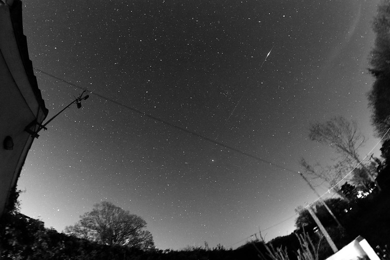 Lyrid Meteor bursts in Leo, taken 2020-04-21 at 21:21:06 UT