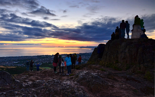 sunrise edinburgh arthursseat scotland scottishscenery scenery people