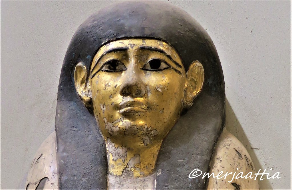 Gilded face of sarcophagus of Hor-Re