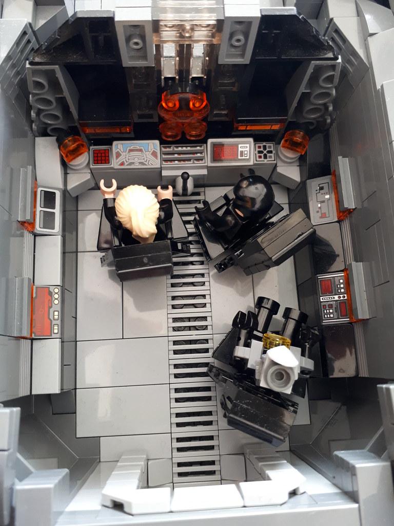 23 Cockpit2