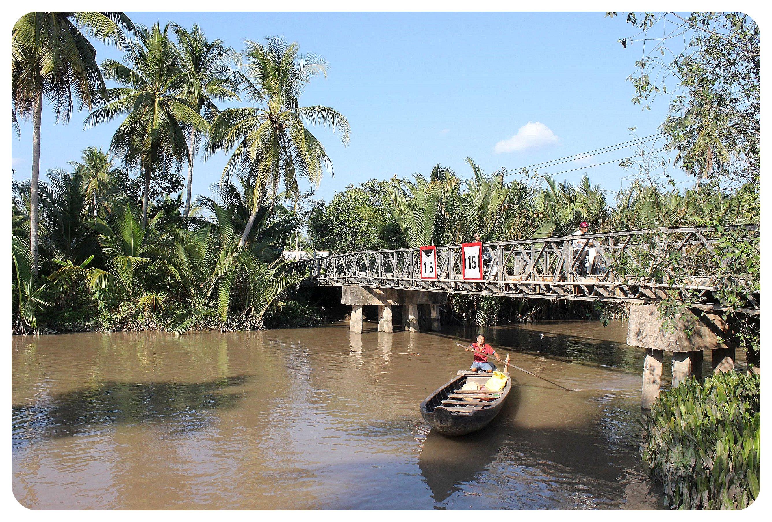 mekong delta boat1
